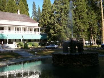 wawona-hotel-yosemite